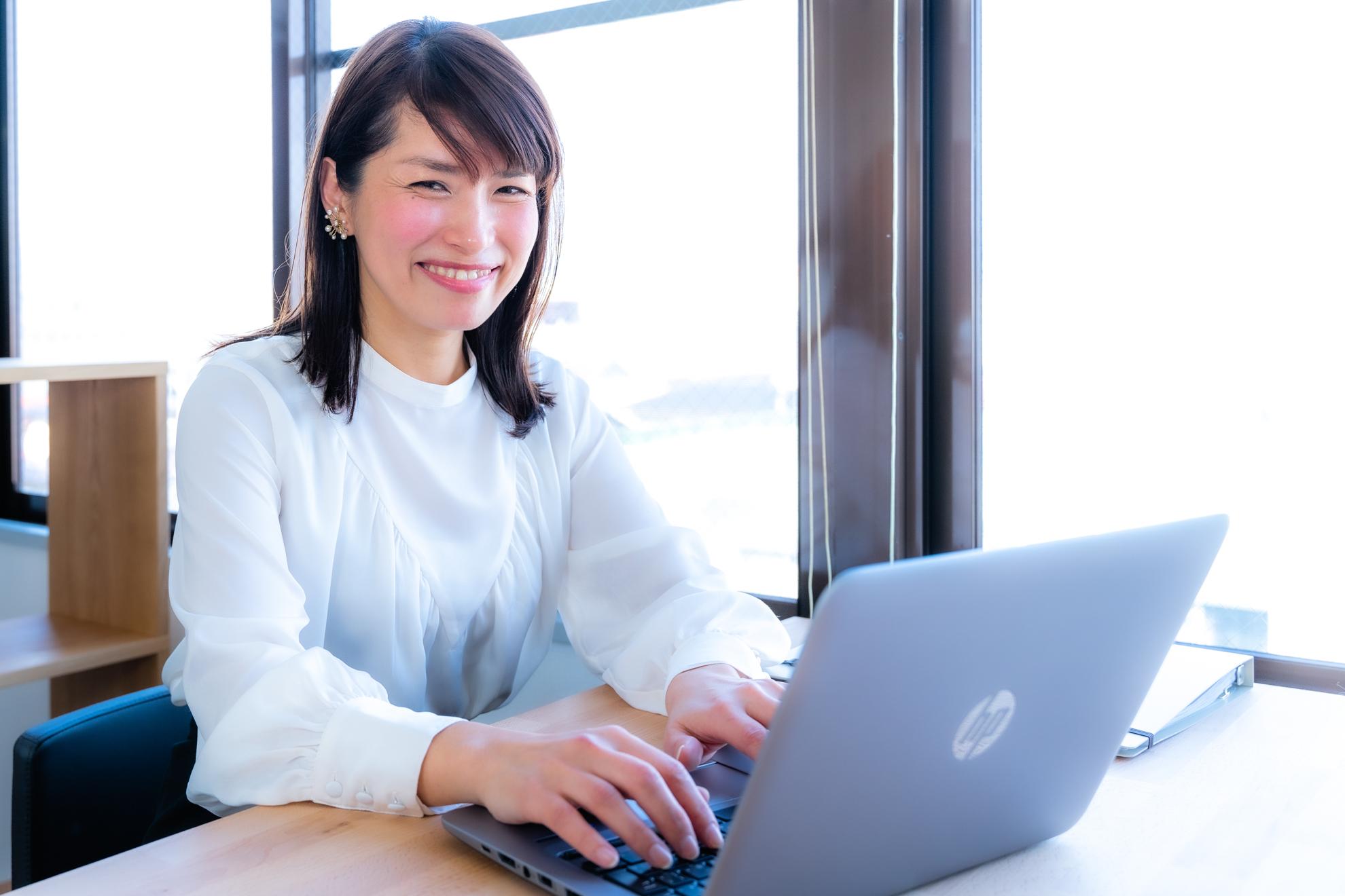 ケイリーパートナーズの鷲谷恭子さんの写真